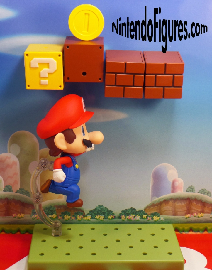 Mario Nendoroid Jumping to Get Coin