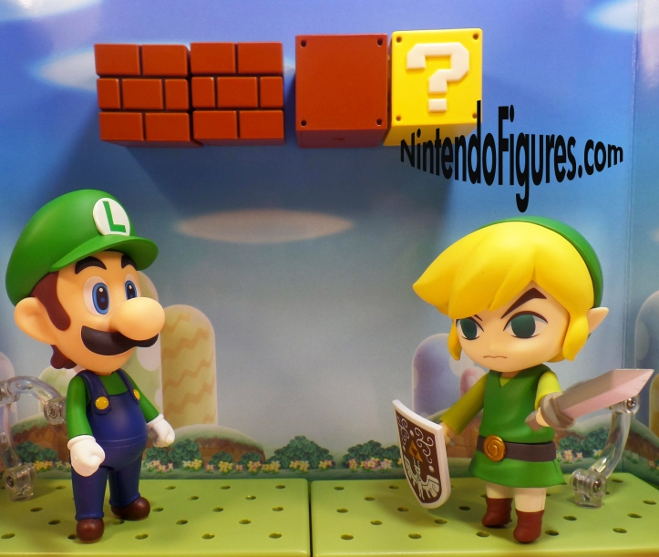 Luigi versus Link Nendoroid 1
