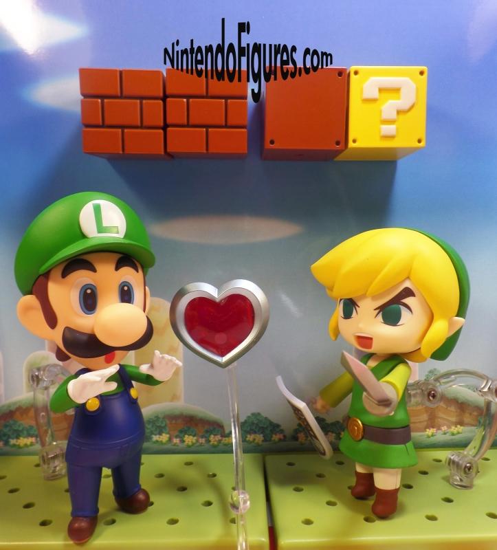 Luigi versus Link Nendoroid 5
