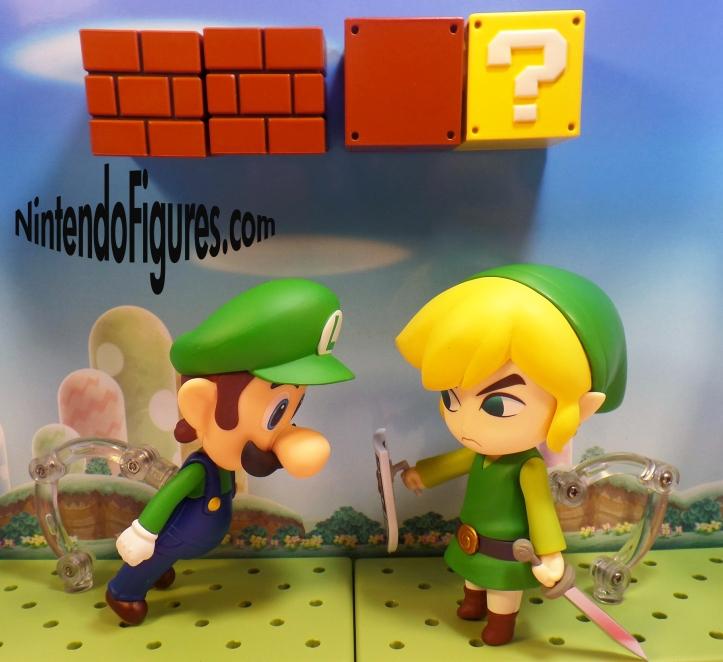 Luigi versus Link Nendoroid 6