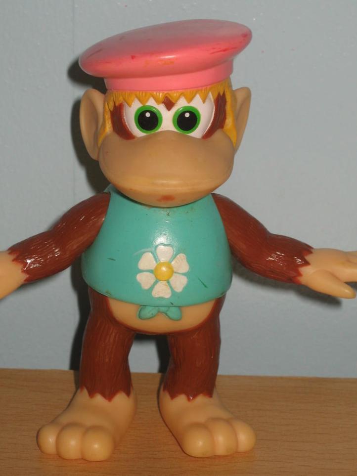 Dixie Kong figure TOMY Takara