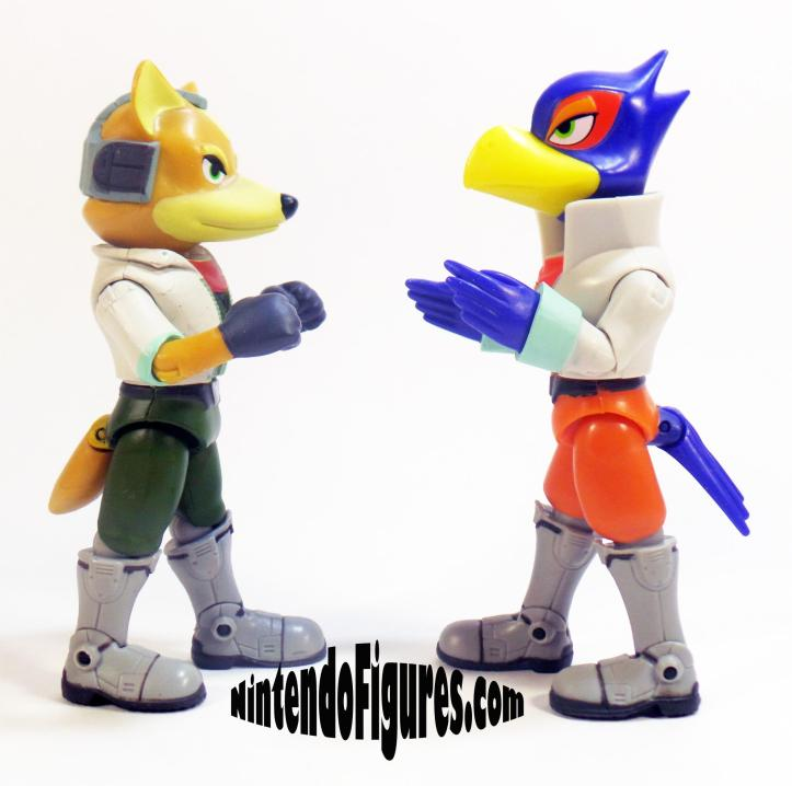 WORLD-OF-NINTENDO-FALCO-AND-FOX-POSE-2_crop