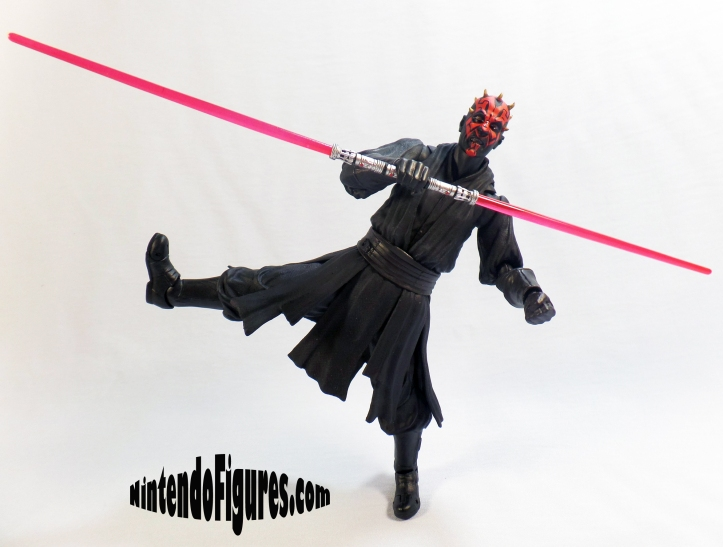 Darth-Maul-SH-Figuarts-Pose-2