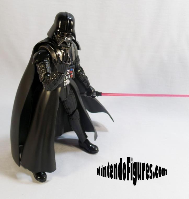 Darth-Vader-SH-Figuarts-Bandai-Pose-1