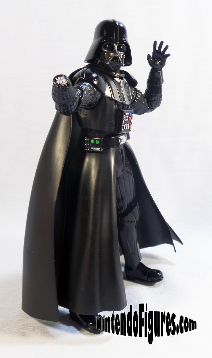 Darth-Vader-SH-Figuarts-Bandai-Pose-3