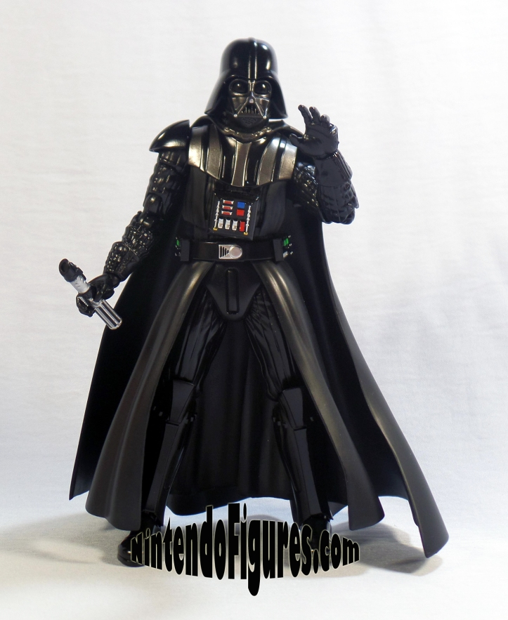 Darth-Vader-SH-Figuarts-Bandai-Pose-5