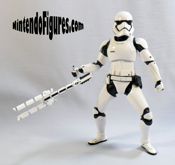SH-Figuarts-First-Order-Riot-Control-Stormtrooper-Pose-3