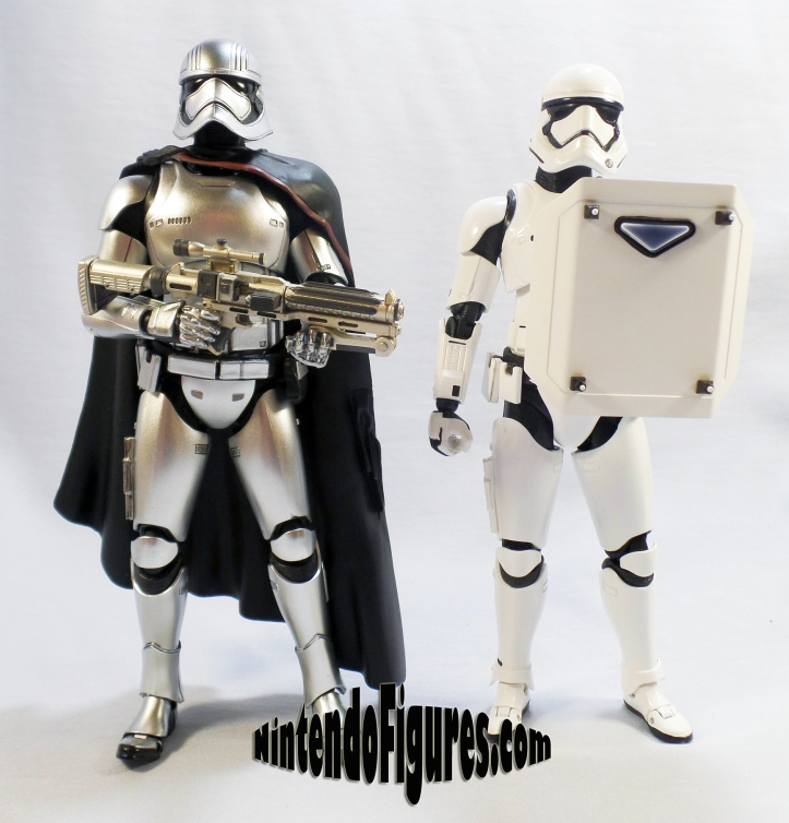 Captain Phasma Bandai S.H. Figuarts-size-comparison
