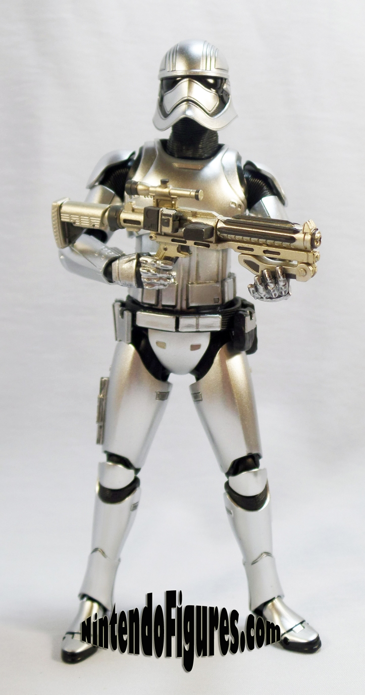 captain-phasma-bandai-sh-figuarts-without-cape-2