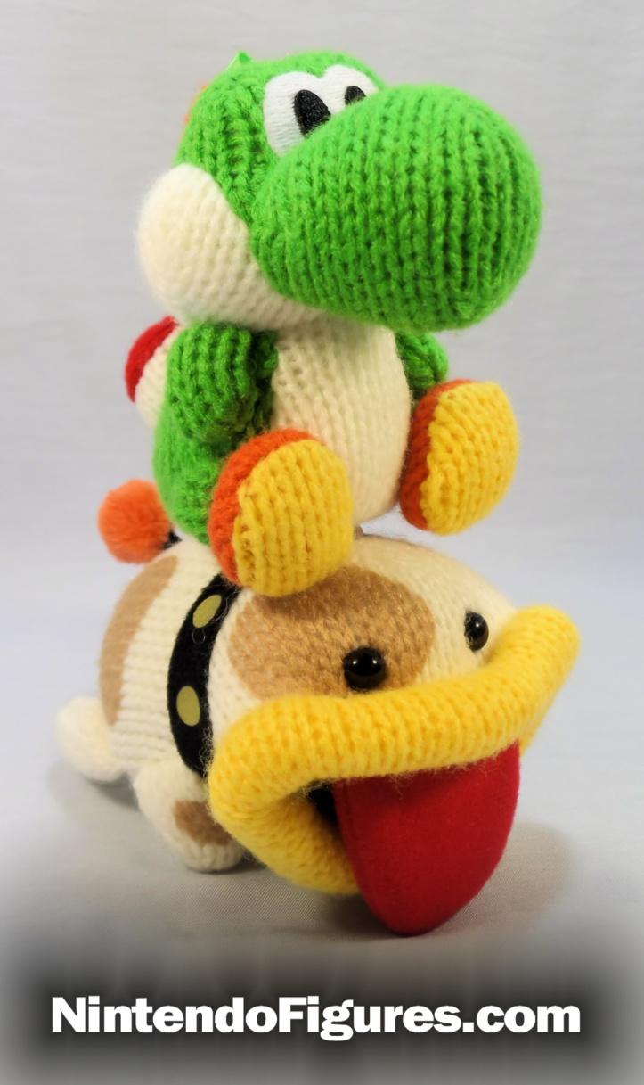 yarn poochy amiibo rode by yarn yoshi